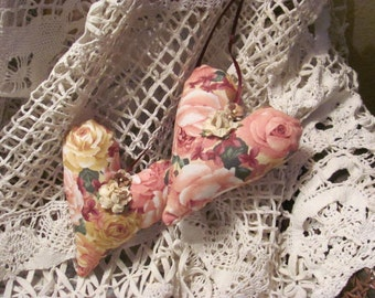 Sachet Double Hanging  Hearts ... Sachet with Roses Fabric.  Lavender Fragrance
