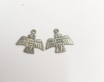 Thunder bird metal charm, antique silver plate sold in packages of 8 pieces 02339CS/8