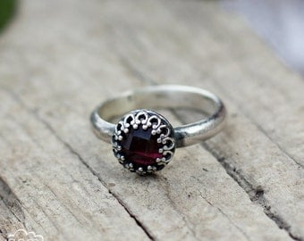 Gothic Ring with Garnet gemstone  - Elegance -