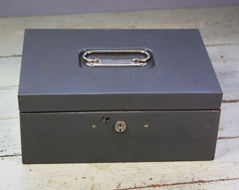 Vintage Metal CASH BOX with Removable Tray- Steelmaster Money Box- Bank Box Industrial Storage Box with Handle