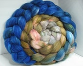 Organic Polwarth/Bombyx 80/20 Roving Combed Top 5oz - Door to the 17th Century 1