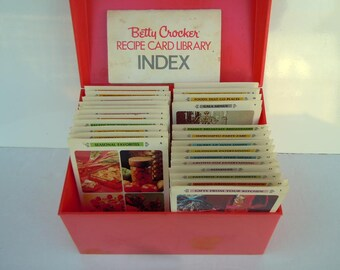 Vintage 1971 Betty Crocker Recipe Cards with Pink Recipe Box Indexed Cooking Library