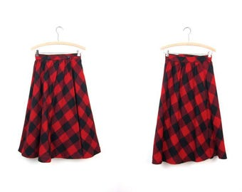 80s Checkered Wool Skirt Black & Red Wool Halson III Skirt High Waist Midi Skirt Preppy Tartan School Girl Full Skirt DES Womens XS
