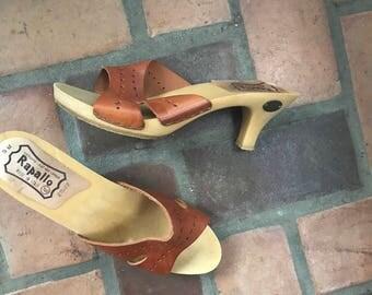 1970s Vintage Rapallo Tan Leather Heels Clogs Shoes  9