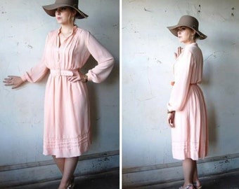 1970s Secretaries Dress - Peach Chiffon Dress - Career Wear - Hipster Fashion Dress - Button Down Dress - 1970s Retro Clothing - Union Label