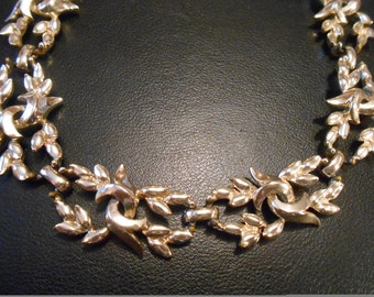 Vintage Necklace Abstract Design Goldtone