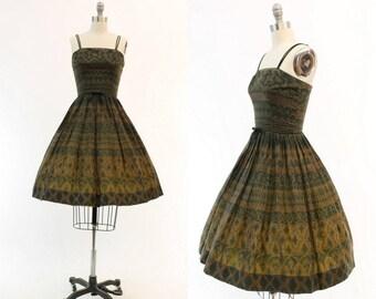 1950s Dress Batik Print XS / 50s Vintage Dress Cotton Sun Dress Novelty Print / Shawnee River Dress