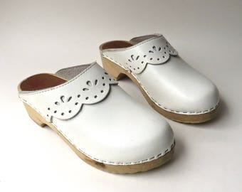 Swedish vintage White Leather Wooden Platform Clogs / Hanna Andersson Clogs / made in Sweden