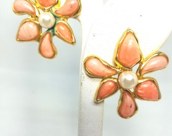 Peach Color Vintage Flower Lucite Earrings with Faux Pearls