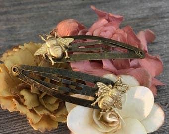 Bee hair clips