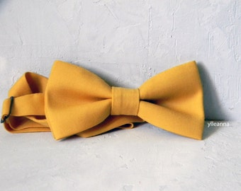Men bow tie - Lightwight cool wool - Italian bowtie -  Pre tied bow tie - Made in Italy - Yellow.