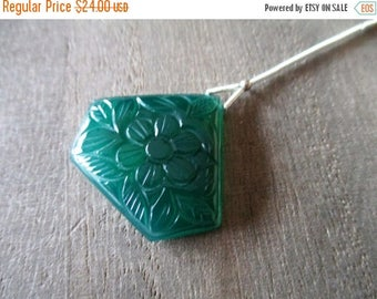 SALE Green Onyx carved briolette- 1 focal stone