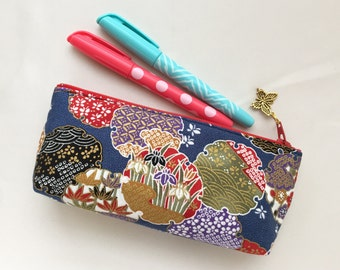 Japanese Snow Wreath Zipper Pouch/ Eyeglass Case / Pen Case