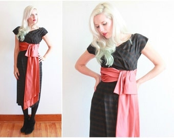 1950s wiggle dress with huge sash bow | size xxs