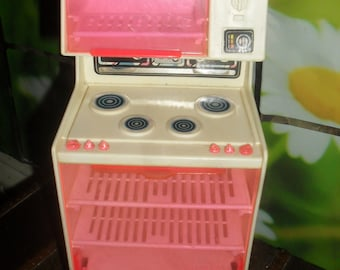 Vintage 1970s Barbie Dream House Stove  - Pink and White - Mattel toys