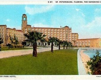 Vintage Florida Postcard - The Vinoy Park Hotel, St. Petersburg (Unused)