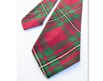 Vintage Lochcarron Macgregor tartan wool plaid tie magenta, green white black plaid