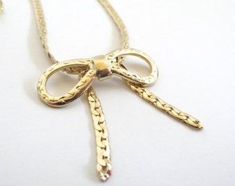 Vintage 70's Avon // Bowtie Chain Necklace