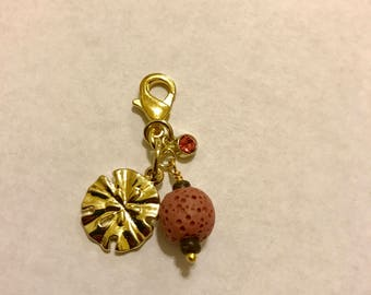 "Diffuser badge charm - ""Sand dollar"""