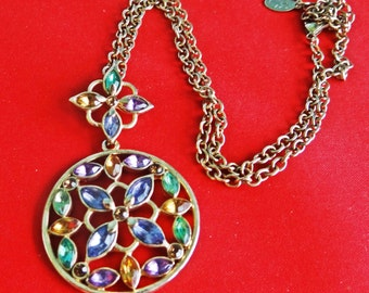 """Vintage gold tone 18"""" necklace with attached 2.25"""" rhinestone pendant in great condition, appears unworn"""