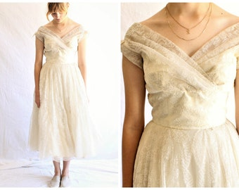 50s vintage lace wedding dress | chantilly lace dress