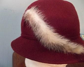 artistique  chapelier montreal  lancaster wool maroon hat