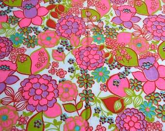 Vintage Fabric - Pink Mod Floral Broadcloth - 44 x 42