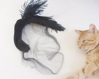 navy velvet feather veil half hat . mid century hair net fascinator accessory .sale