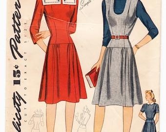 Vintage 1944 Simplicity 4359 Sewing Pattern Juniors' & Misses' Dress or Jumper Size 10 Bust 28