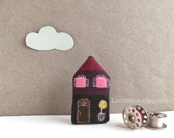 Tiny HOUSE brooch. dark purple, brown and pink with plant in pot