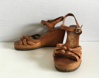 Vintage Shoes Women's 70's Brown, Wedge Sandals, by Quali Craft (Size 5)