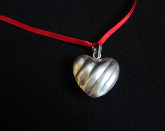 Hollow Heart Silver Pendant, Vintage Heart for necklace, free domestic usa shipping