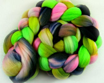 Dayglo 1 merino wool top for spinning and felting (3.9 ounces)