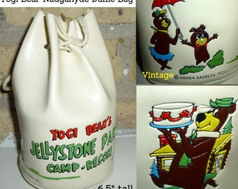 Vintage Jellystone Tote Bag. Hanna Barbera Productions Circa 1960s. Yogi Bear, Boo Boo & Cindy Bear. Vinyl Naugahyde Excellent Condition