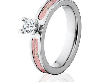 Camo Rings, Realtree Pink Engagement Ring w/ .5ct and 4mm band: RT-4F12G5PCTW_RTPINK
