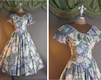 1980s dress vintage 80s DREAM GARDEN pastel hydrangea floral print cotton full skirt day garden party dress