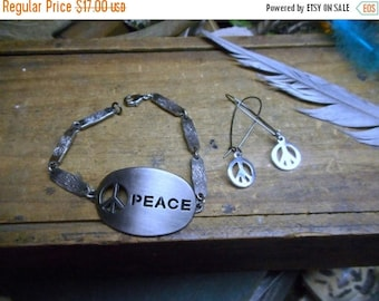 The Peace Metal cutout bracelet & earrings set. Peace sign. Gypsy Hippie Hipster World Peace. Symbol