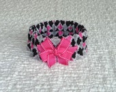 "Dog Ruffle Collar, Pet Bandana, Black and Pink Quatrefoil Dog Scrunchie Collar with hot pink bow - M: 14"" to 16"" neck"