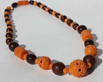 Vintage Retro Mod Orange and Brown Carved Celluloid Plastic Beaded Necklace