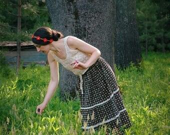 26 Inch Waist... Vintage Boho Folk Cotton Floral Skirt... Mori Girl 1970s Gunne Sax Style