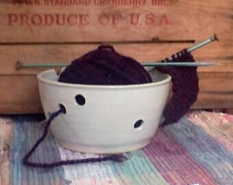 Classic White Ceramic Yarn Holder Bowl - Stoneware Crochet yarn caddy - Pottery knitting bowl - French White Glaze - 1711