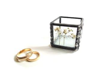 Ring box, wedding ring box, Baby's Breath, ring bearer box, stained glass, pressed flowers,  keepsake box, engagement ring, ring holder