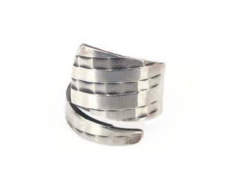 Sterling Silver Basket Weave Bypass Ring - Vintage Ring, Statement Ring, Basketweave Design, Modernist Jewelry, Sterling Ring, Size 6.75