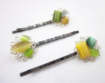 Green & Yellow Hair Pin -- Glass Hair Pins -- Colorful Hair Pins -- Green Yellow Hair Accessories -- Gem Hair Pins -- Yellow Green Hair Pins