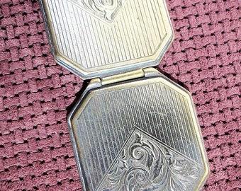 Vtg Silver Tone Locket