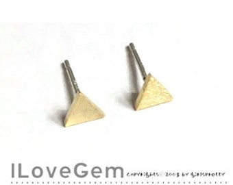 NP-1874 Gold plated, Tiny Triangle , Geometric stud Earrings, 925 sterling silver post, 2pcs