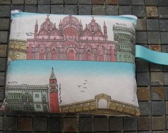 Itailian scene print large padded bag