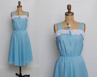 1970s summer dress with eyelet lace collar | vintage 70s blue sundress