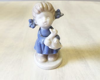 China girl figurine, vintage figurine, Delft figurine, vintage girl, porcelain figurine, china figurine, collectible figurine, little girl
