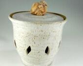 Pottery garlic jar - ceramic garlic keeper - stoneware onion canister - large garlic keeper with lid and rock knob - ceramic garlic jar